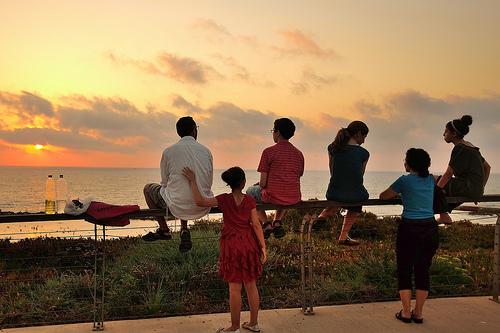 家族みんなが楽しめるファミリーアカウント、安心のペアレンタルロック
